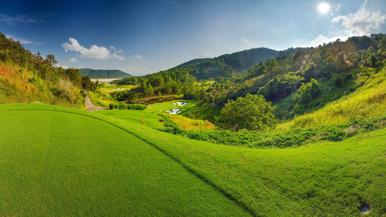 Vietnam Golf Vacation Holidays | International Golf Advnetures